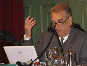Mahmoud Sobh lisant un poème